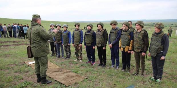 Боевики учили стрелять школьников из «ЛНР»