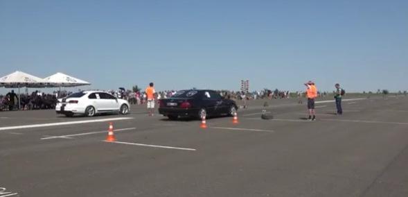 В «ЛНР» устроили соревнования возле разрушенного луганского аэропорта