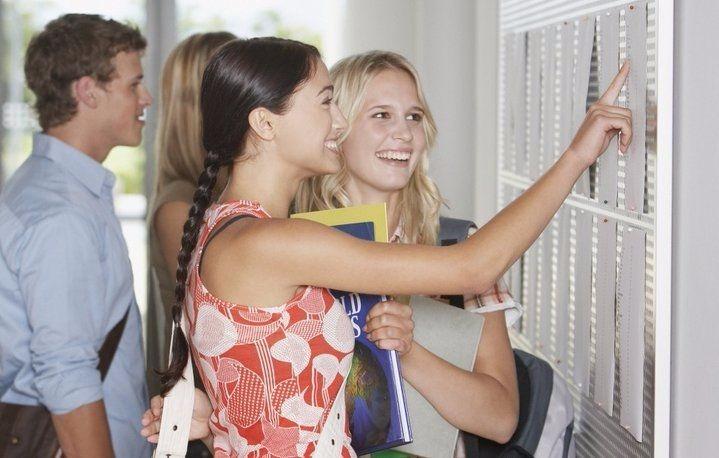 МинВОТ призвал вступать в украинские университеты
