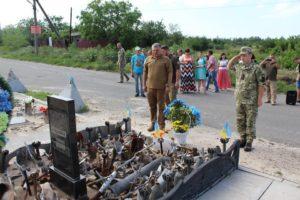 Шествие, награды и минута молчания: Авдеевка отпраздновала годовщину освобождения