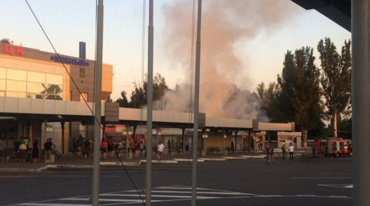 В оккупированном Донецке у автовокзала случился пожар