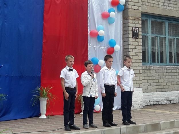В «ЛНР» школу-детский сад назвали в честь боевика и провели митинг