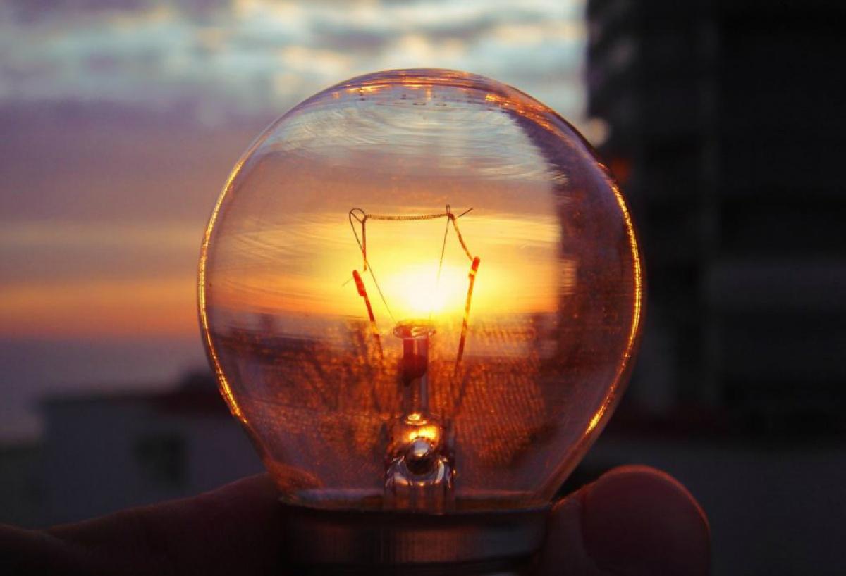 Сегодня в Луганске отключат свет на трое суток. Что будет работать