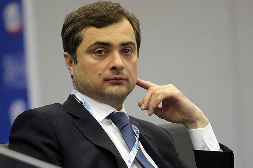 Сурков поздравил Пасечника и Пушилина с победой на «выборах»