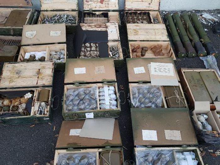 СБУ: На Луганщине неизвестные спрятали 5 тонн оружия, чтобы нелегально продавать его