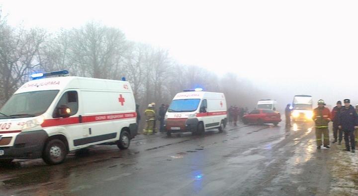В «ЛНР» рейсовый автобус перевернулся на трассе
