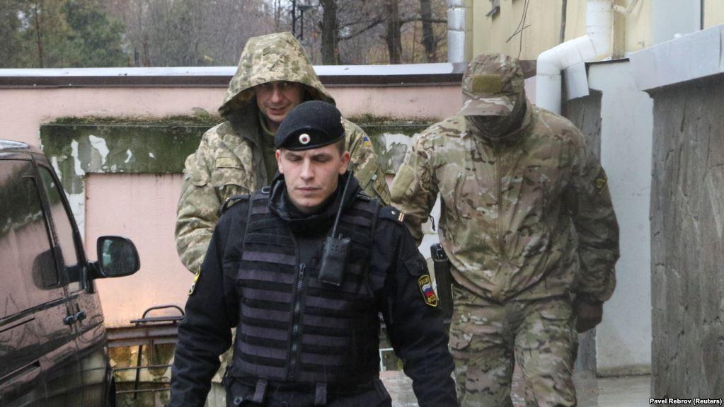 Украинские моряки: в Кремле не исключают обмен, а в Украине родственники военнопленных получат по 100 тысяч гривен