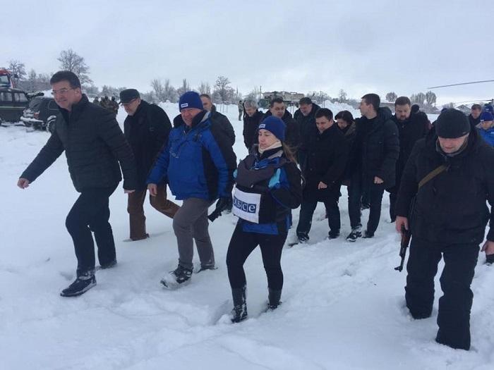 В Станицу Луганскую приехали глава украинского МИДа и председатель ОБСЕ