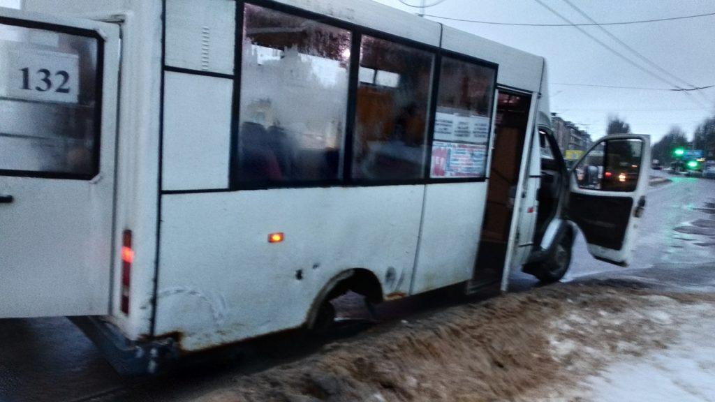 ДТП в Луганске с маршруткой: могли взорваться газовые баллоны