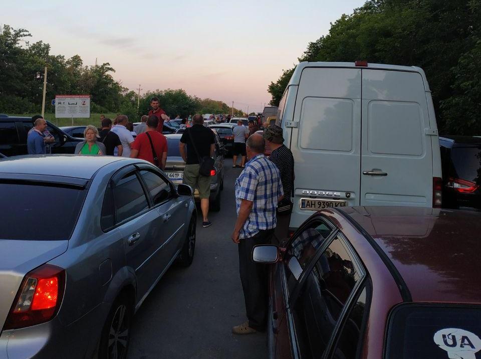 В «ДНР» нарочно создают очередь на блокпостах