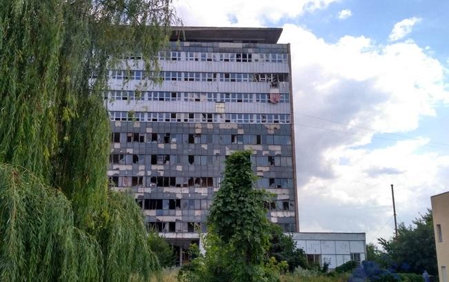 В центре Луганска в «огурце» произошел взрыв