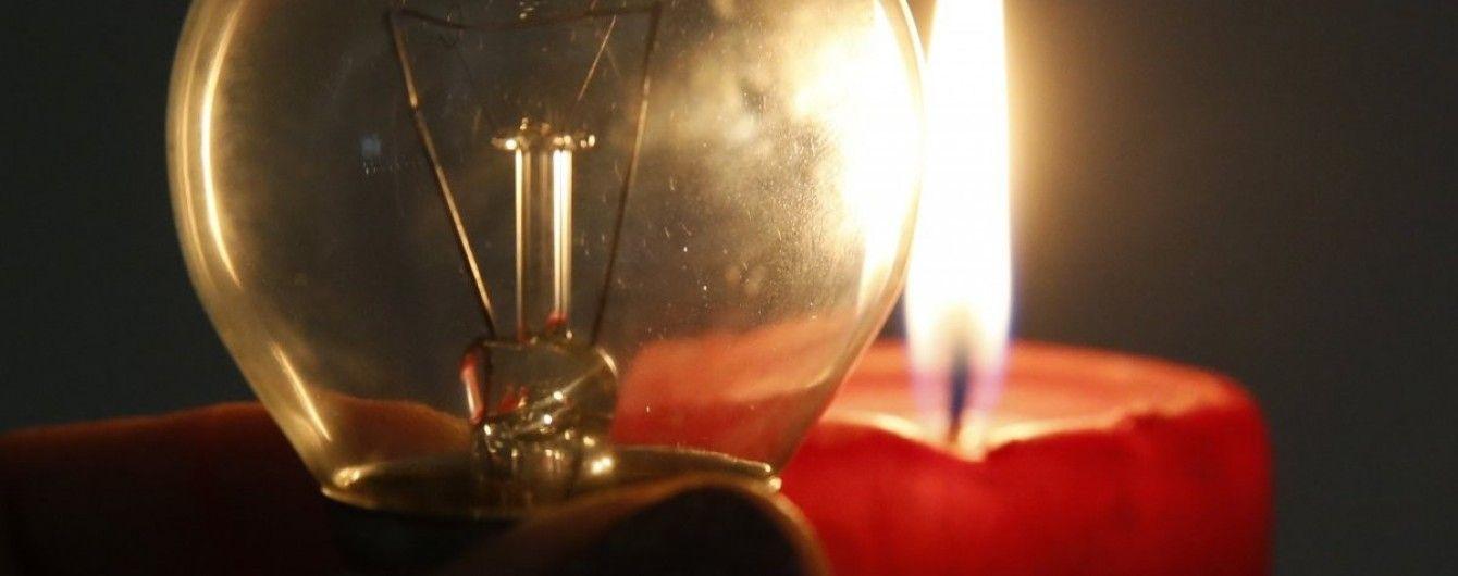 В «ЛНР» в нескольких населенных пунктах люди четвертые сутки живут без света