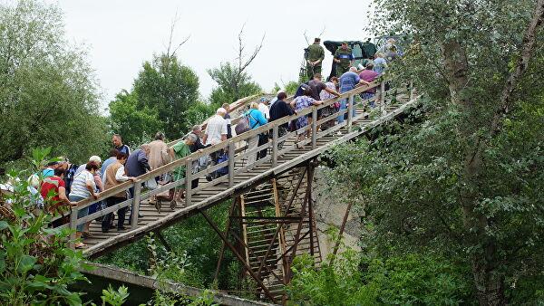 Пункт пропуска «Станица Луганская» на неделю сокращает время работы
