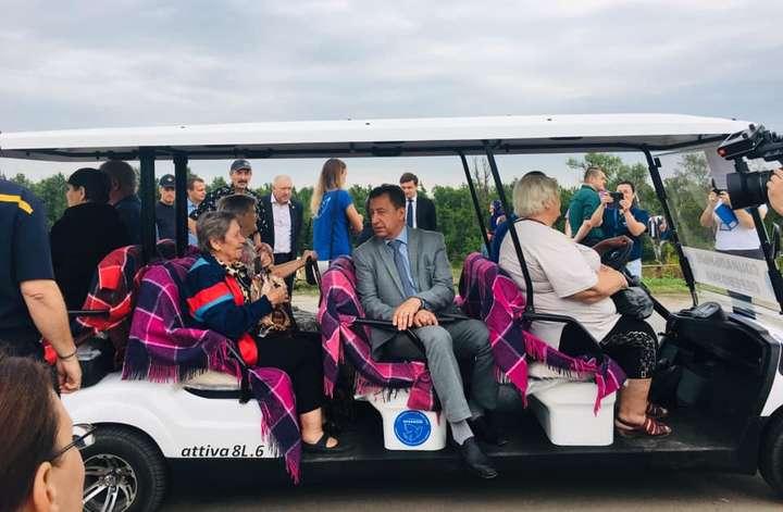 Между КПВВ «Станица Луганская» и разрушенным мостом будет ездить электрокар