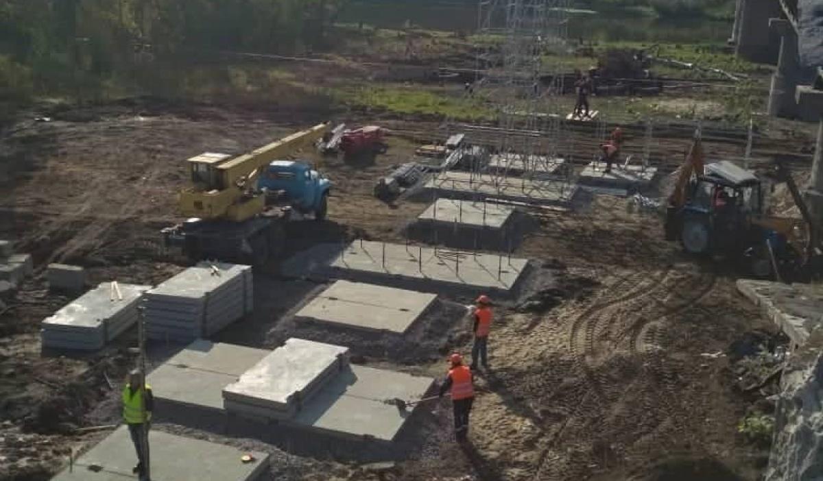 В Станице Луганской начали возводить обводной мост
