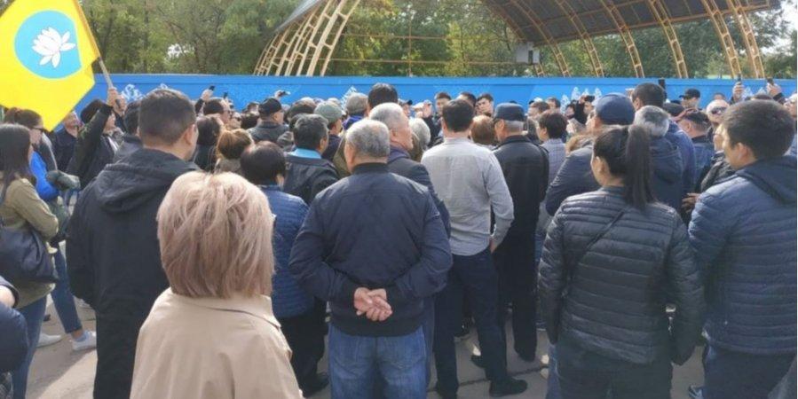 В российской Элисте прошел митинг против назначения Трапезникова мэром