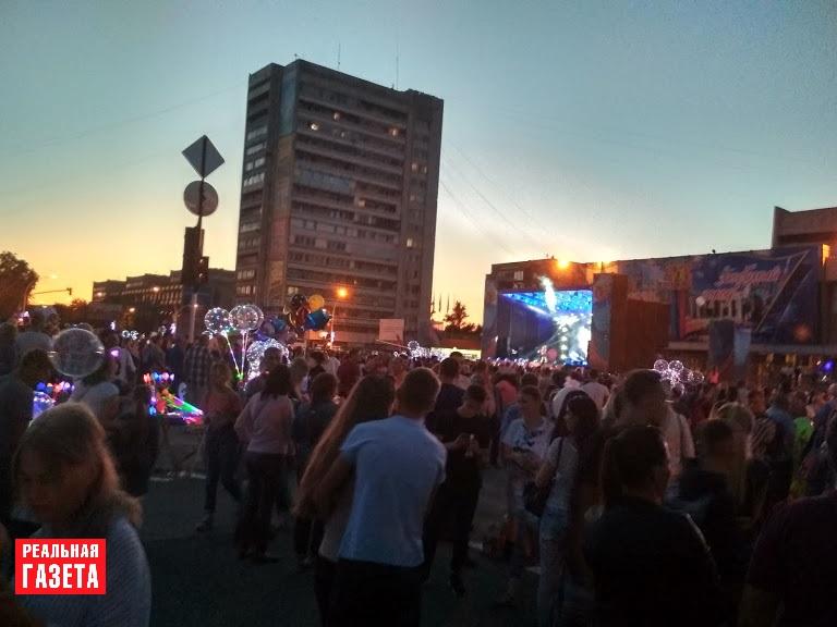 День города в Луганске (ФОТОРЕПОРТАЖ)