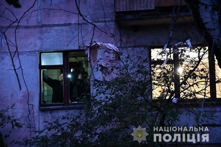 Взрыв газа на Луганщине разрушил стену между квартирами
