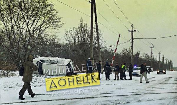 Под Макеевкой в ДТП попал автомобиль ОБСЕ