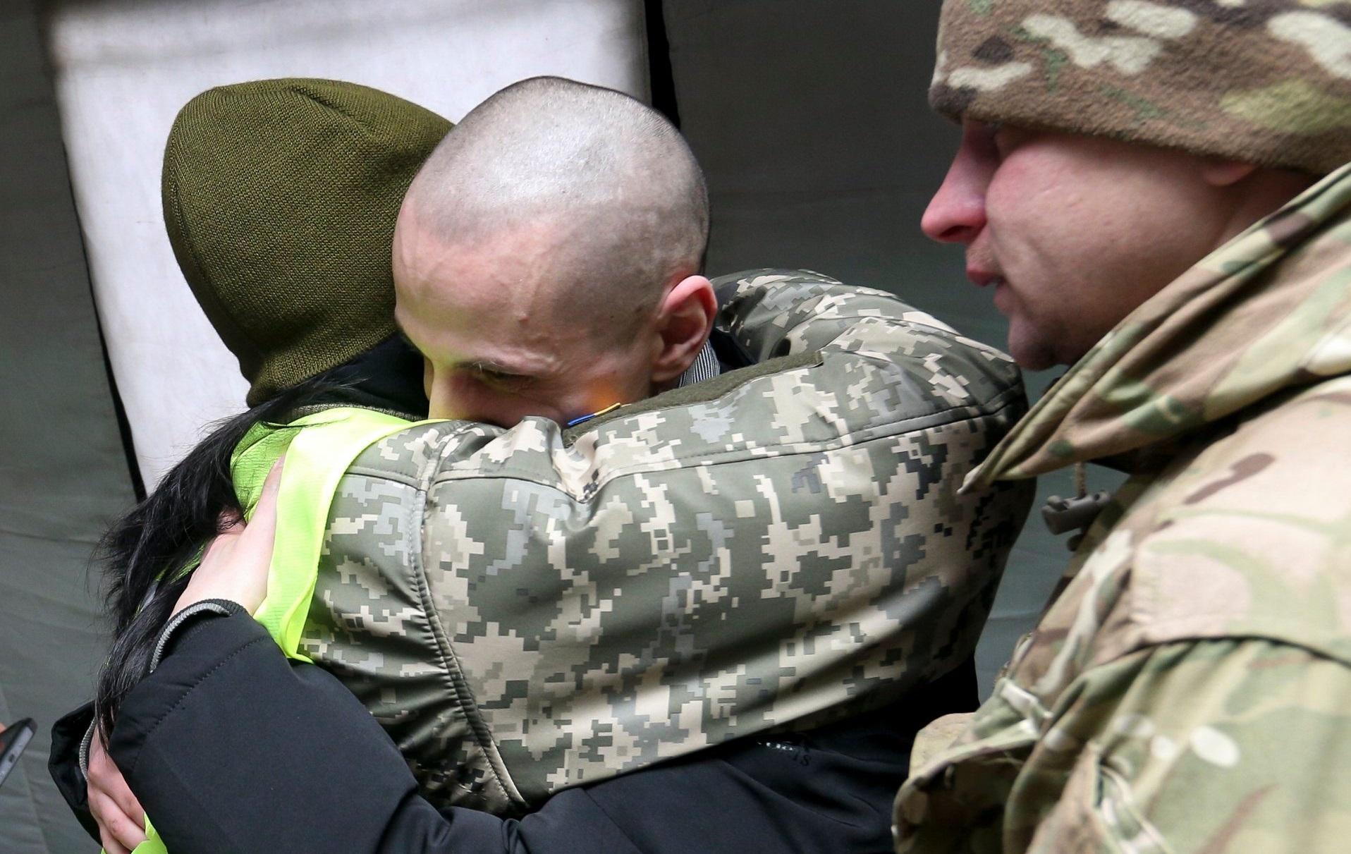 На Донбассе прошел процесс обмена пленными. ВИДЕО