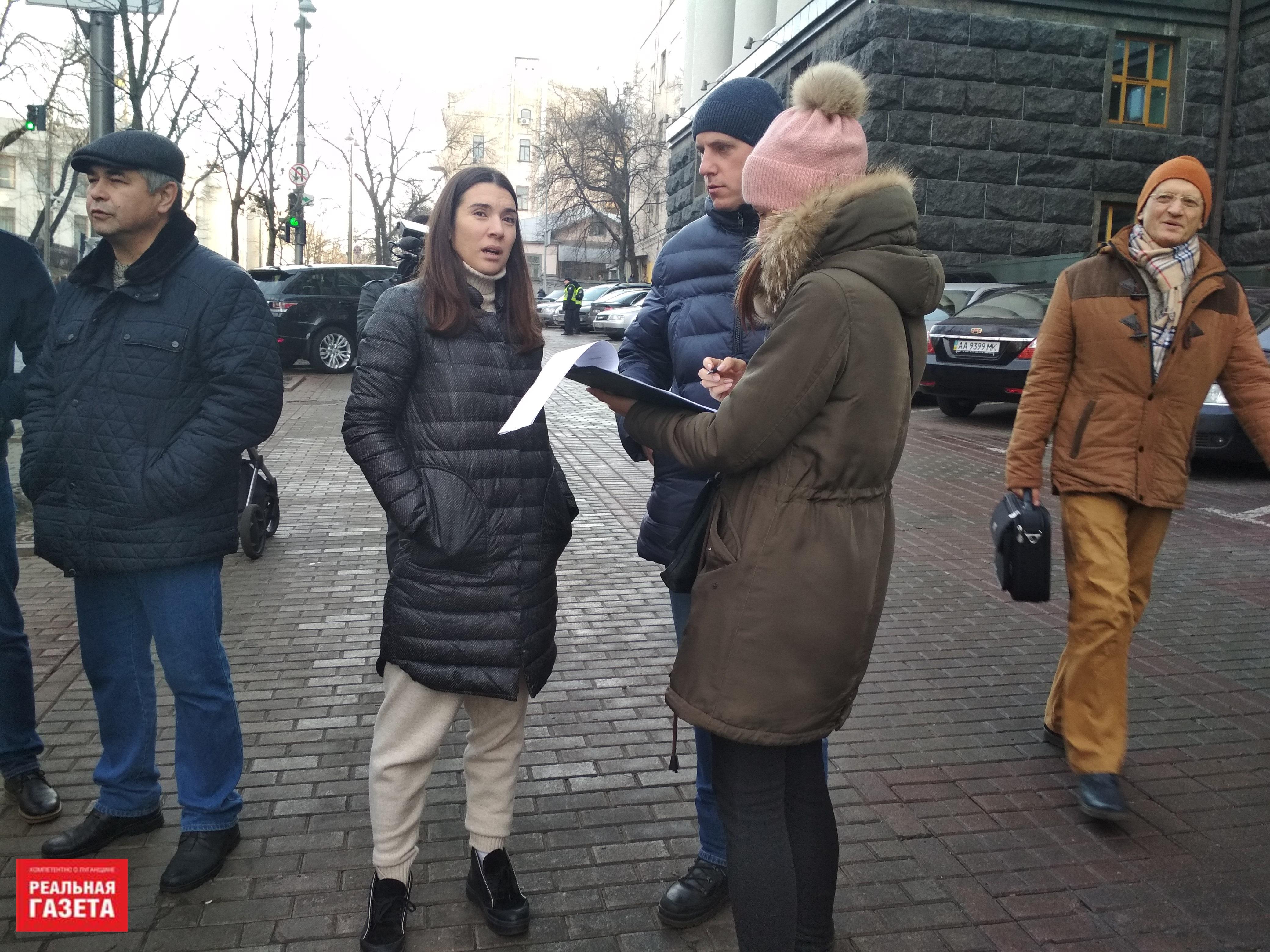 Переселенцы митинговали под Кабмином из-за срыва программы кредитования жилья (ФОТОРЕПОРТАЖ)