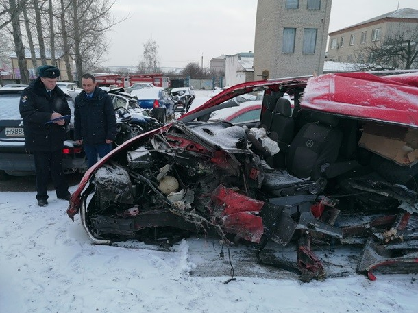 Ехали на заработки: в России автобус из ОРЛО попал в смертельное ДТП