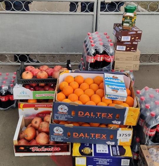 Переселенцы из Донецка привезли продукты эвакуированным из Уханя