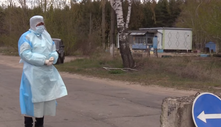 Перекопали дороги. В Луганской области из-за COVID-19 на карантин отправили село Варваровка