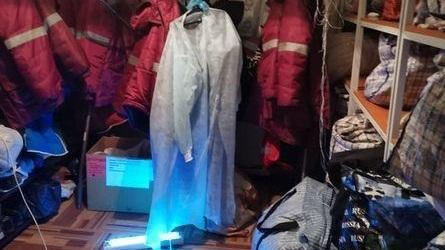 В соцсетях показали, как в Луганске стирают одноразовые защитные костюмы медиков