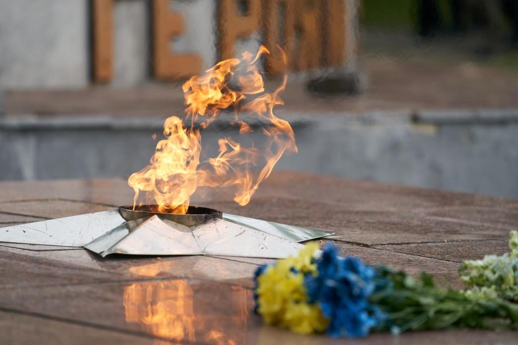 Зеленский приехал в Меловое и почтил память погибших во Второй мировой войне