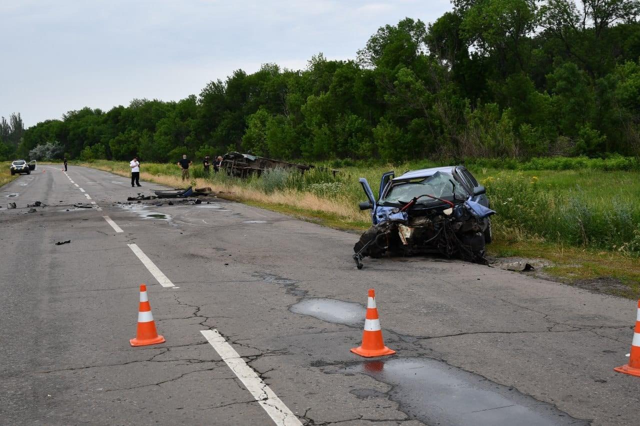 В Новоайдарском районе произошло ДТП с пострадавшими. За рулем одного из авто был полицейский