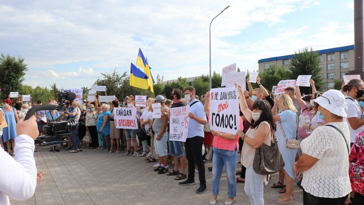 Фактчекинг: Выборы в Луганской области отменили на основе манипуляции