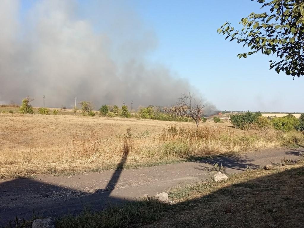 В Донецке горят свалки и очистные сооружения