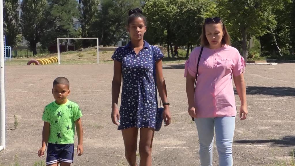 Как матери спасали детей от войны. Истории переселенок