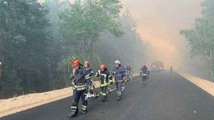 В Луганской области удалось погасить 7 очагов возгорания. Горят еще 3