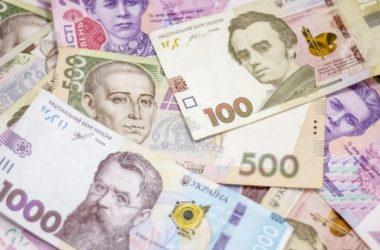 Карантинные выплаты получат не все. Кто останется без денежной помощи от государства