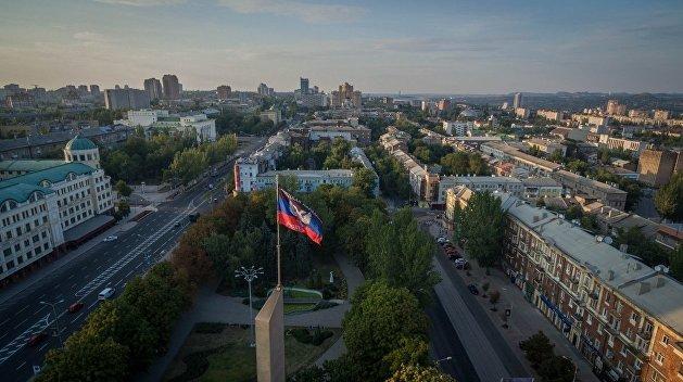 «ДНР» отменила комендантский час, но пообещала задерживать людей с украинскими паспортами