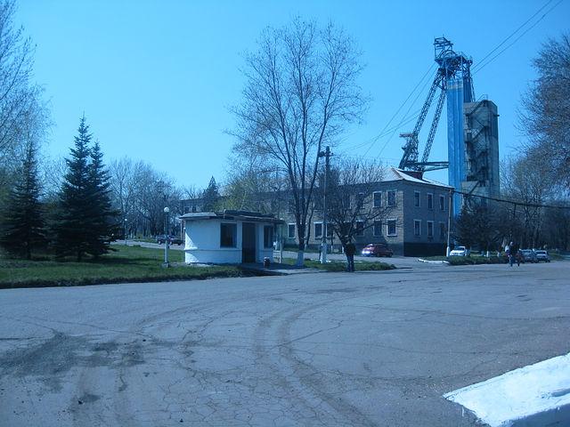 На шахте в Луганской области случился обвал породы. Двое шахтеров пострадали