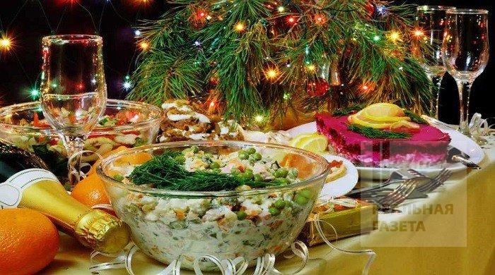 За год продукты подорожали. Сколько стоит накрыть стол на Новый год