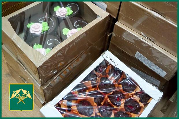 «Таможенники» «ЛНР» помещали контрабандистам «ДНР» ввезти две тонны пирожных