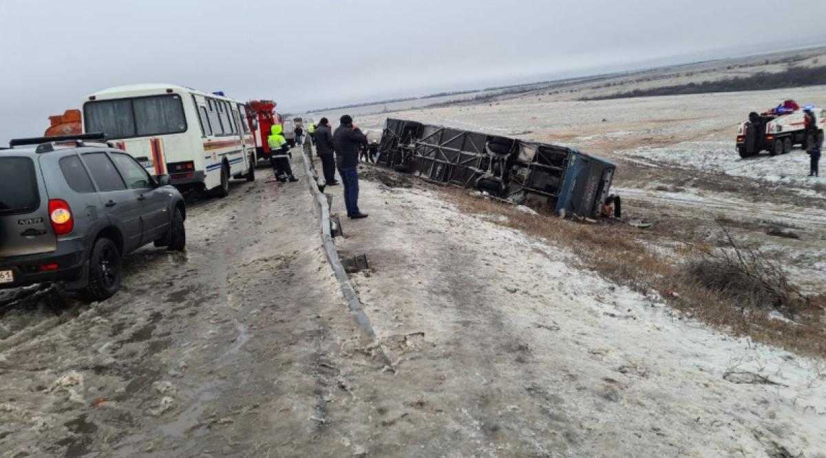 Под Ростовом попал в аварию автобус, который ехал из Москвы в Донецк. Погибли двое