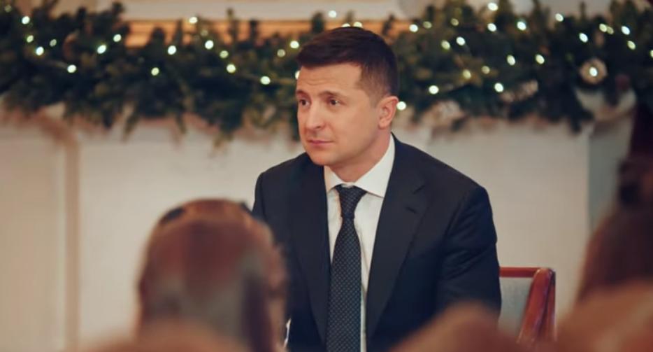 Зеленский в новогоднем обращении перешел на русский и обратился к жителям Донбасса
