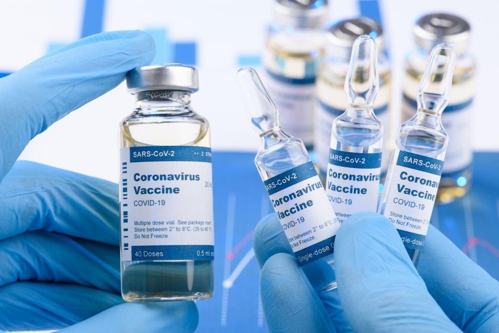В Луганской области сделали первые прививки от коронавируса