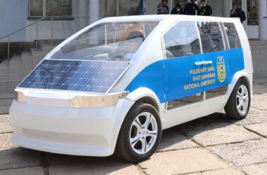 В Северодонецке испытали электромобиль, построенный в местном колледже