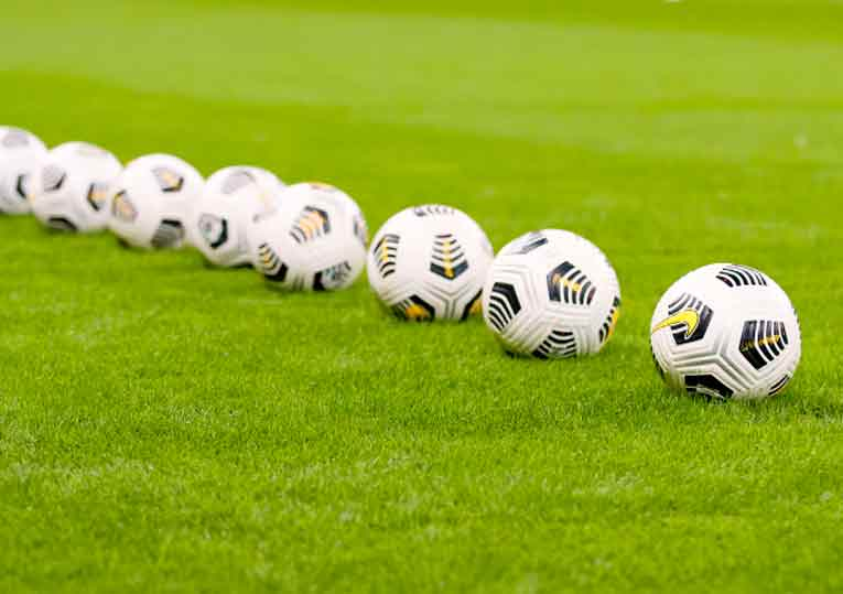 Украинская ассоциация футбола потребовала у 26 футболистов объяснения, почему они играли за «ЛНР» и «ДНР»