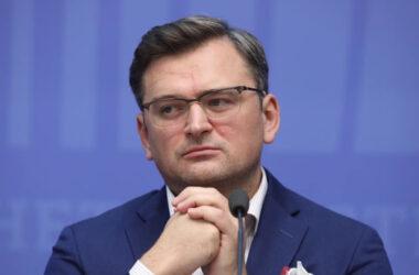 За границей Украины демократии нет. Кулеба поговорил с госсекретарем США Блинкеном