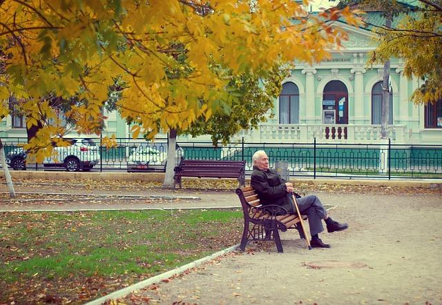 У украинцев требуют вернуть пенсии, которые им переплатили. Почему так происходит и как избежать