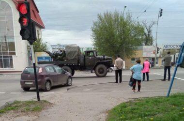 В Луганске готовятся к параду на 9 мая. Луганчане показали, как перекрыли город
