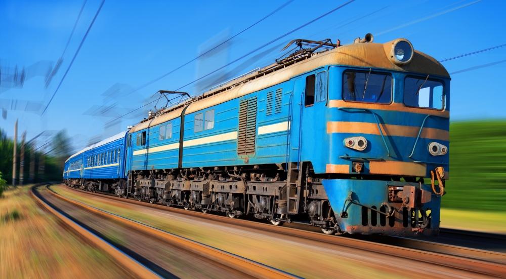 В Сватово женщина бросилась под поезд. Полиция расследует самоубийство