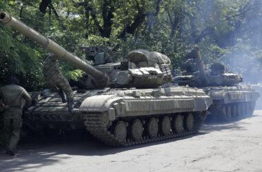 Россия перебрасывает военных в ОРДЛО, — правозащитники